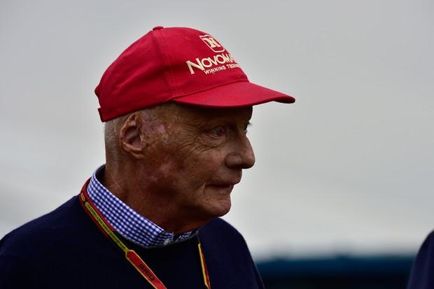 Niki Lauda, tricampeão, sempre dando as caras (Foto: Ivan Carneiro/ Autoesporte)