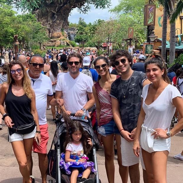 Galvão Bueno e a família (Foto: Reprodução Instagram)