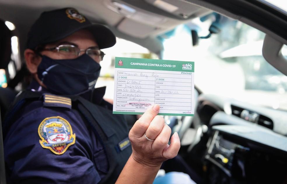 Expectativa é vacinar 366 guardas com a primeira dose — Foto: Divulgação/Prefeitura de Santos