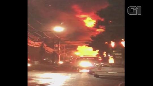Incêndio atinge loja no Centro de Canela; veja o vídeo