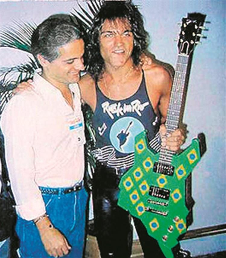 A guitarra Brasil e Roberto Medina