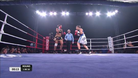 Adversária joga a toalha, e Rose Volante mantém título mundial de boxe no Brasil