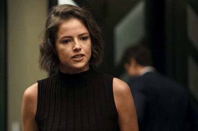 Agatha Moreira é Josiane em 'A dona do pedaço' (Foto: Reprodução)