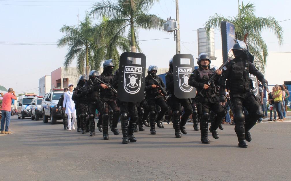 Gape participa de desfile cívico durante comemorações ao 7 de setembro em Ji-Paraná. (Foto: Gedeon Miranda/G1)