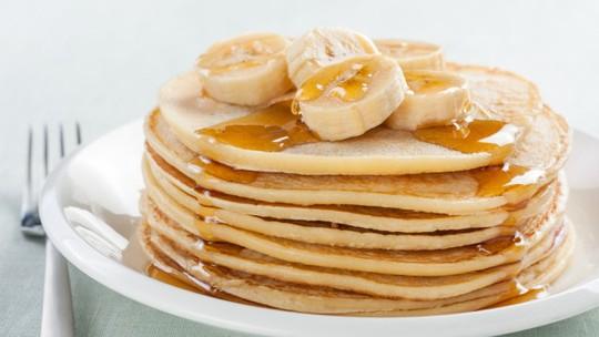 Aprenda como fazer uma deliciosa panqueca com banana da terra usando apenas 3 ingredientes