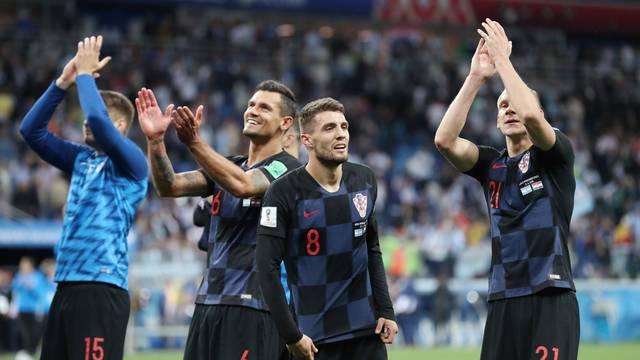 Croácia comemora a classificação antecipada para as oitavas após vencer a Argentina