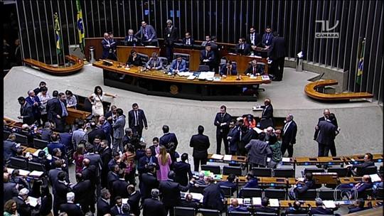 Câmara aprova fim de coligações, mas só na eleição de 2020