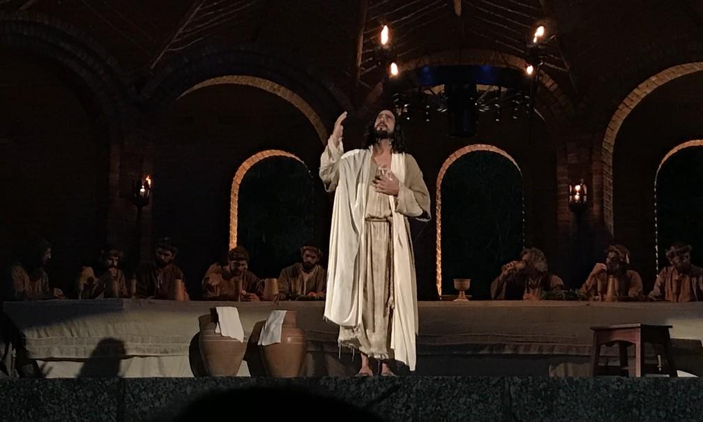 Ator pernambucano Renato Góes interpreta Jesus na Paixão de Cristo de Nova Jerusalém (Foto: Joalline Nascimento/G1)