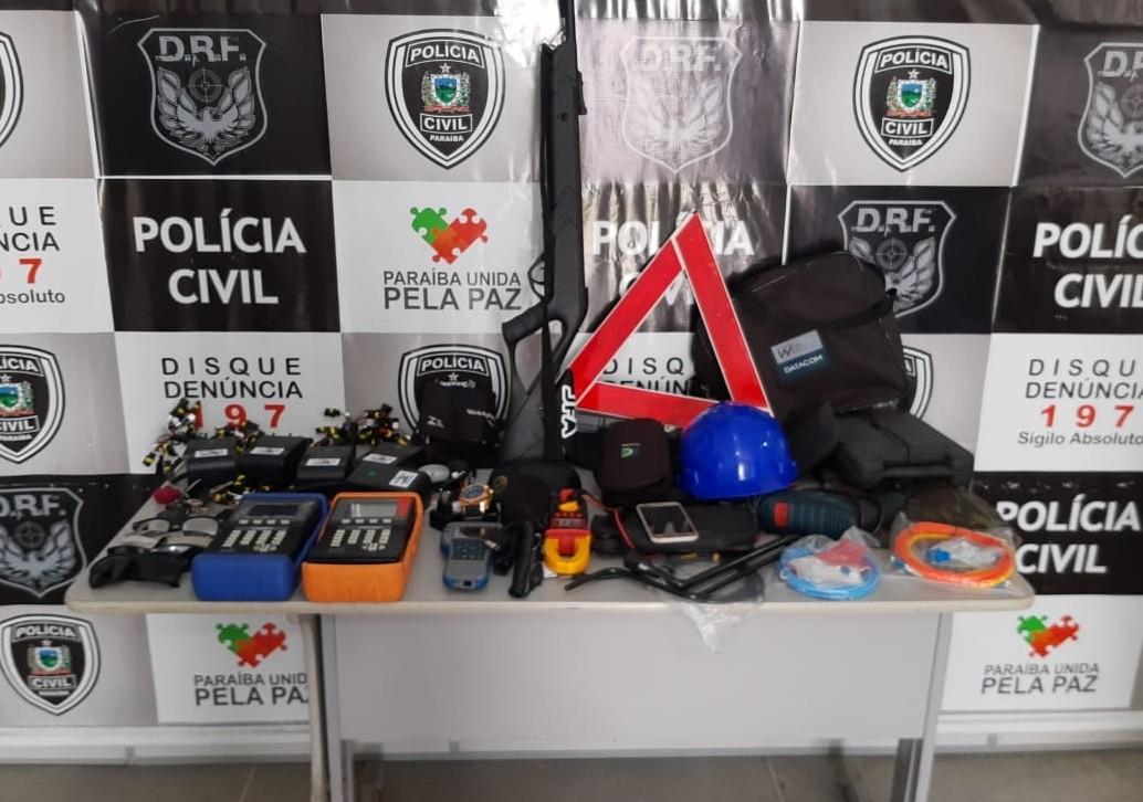 Polícia recupera itens furtados de carros em estacionamentos de Campina Grande - Notícias - Plantão Diário