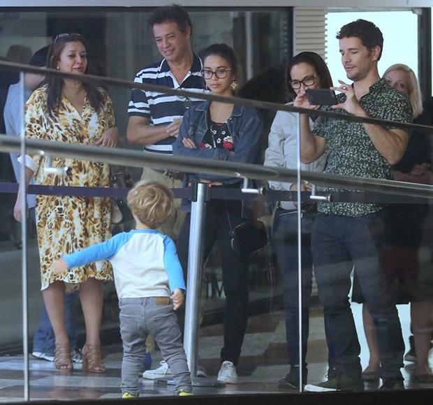 Sophie Charlotte e Daniel de Oliveira com o filho, Otto (Foto: Thiago Martins/AgNews)