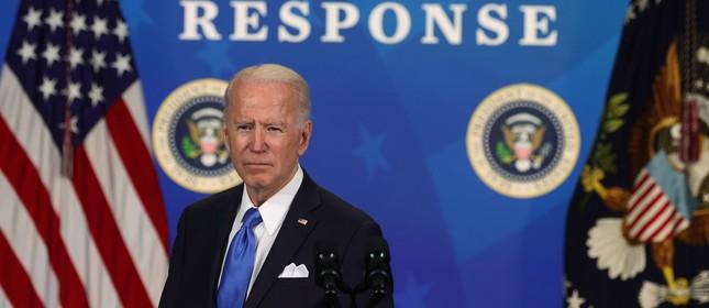 Joe Biden durante anúncio de que EUA comprarão mais 100 milhões de doses de vacinas