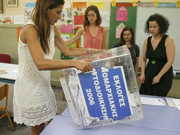 Η κάλπη αφαιρέθηκε μετά την ψηφοφορία στην Αθήνα (Φωτογραφία: Marco Djorica / Reuters)
