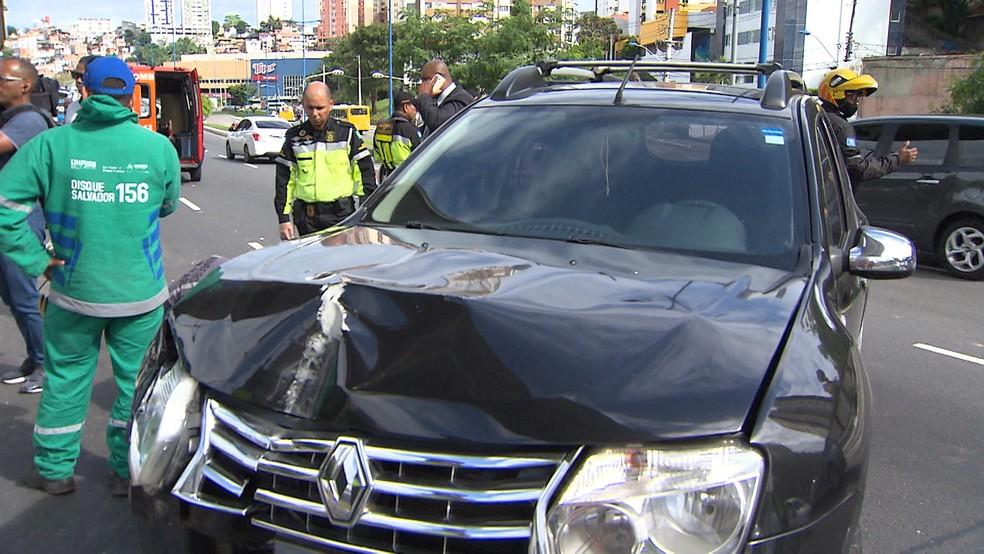 Acidente aconteceu na Avenida Bonocô, em Salvador — Foto: Ubiratan Passos/TV Bahia