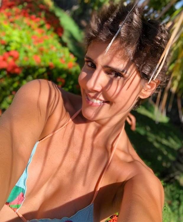 Deborah Secco: penteado sem franja (Foto: Reprodução/Instagram)