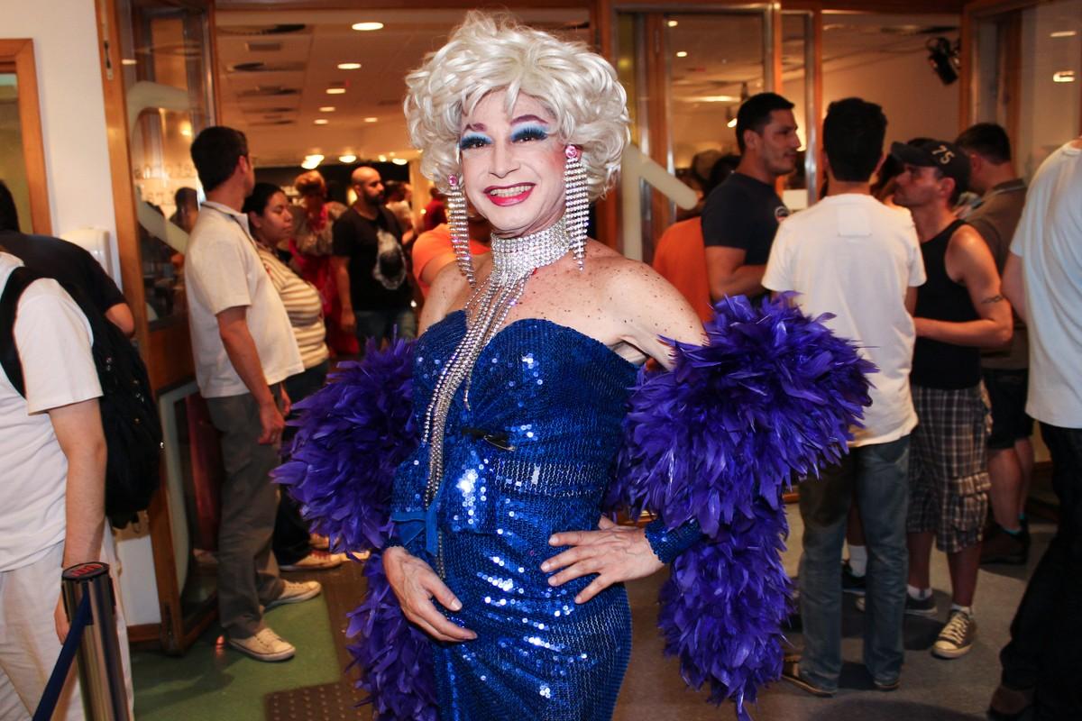 Miss Biá, drag queen pioneira no Brasil, morre vítima de Covid-19 em SP aos 80 anos | São Paulo