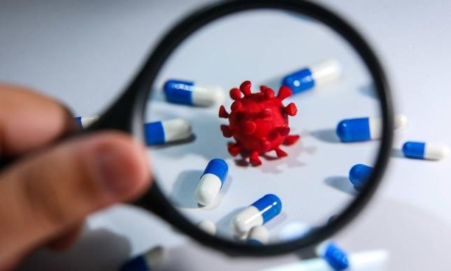 Estudo brasileiro mostra que a azitromicina, segundo remédio mais usado no mundo no tratamento de casos graves da covid-19, é ineficaz para combater a covid-19 em estágio grave