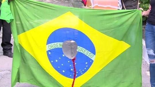 Catador fuzilado pelo Exército é enterrado no Rio de Janeiro