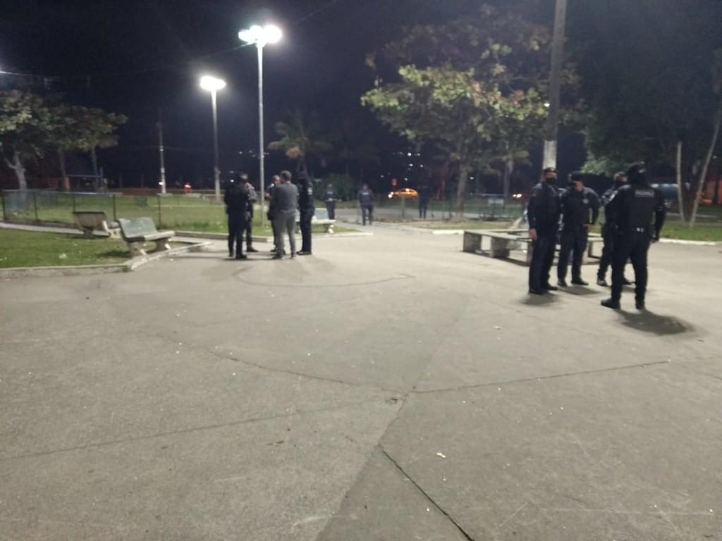 Guarujá proíbe práticas de esportes coletivos em áreas públicas