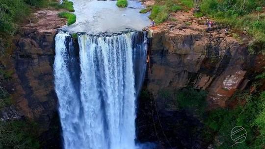 Parque é quintal dos praticantes de rapel em cachoeiras