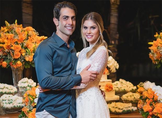 Barbara Evans e Gustavo Theodoro (Foto: Reprodução / Instagram)