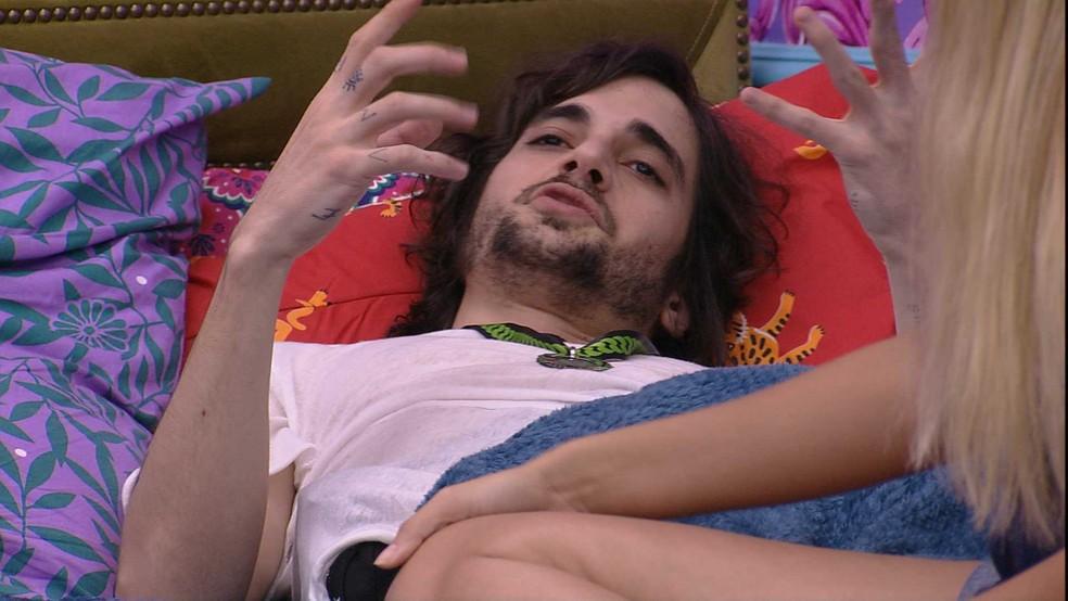 Fiuk reflete sobre o desentendimento da Xepa  — Foto: Globo