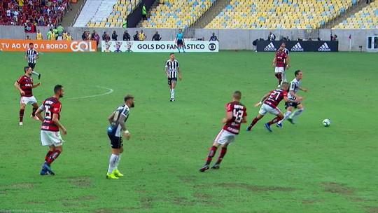 """Após vitória, Dorival mantém esperança em título do Flamengo: """"Não podemos perder o foco"""""""