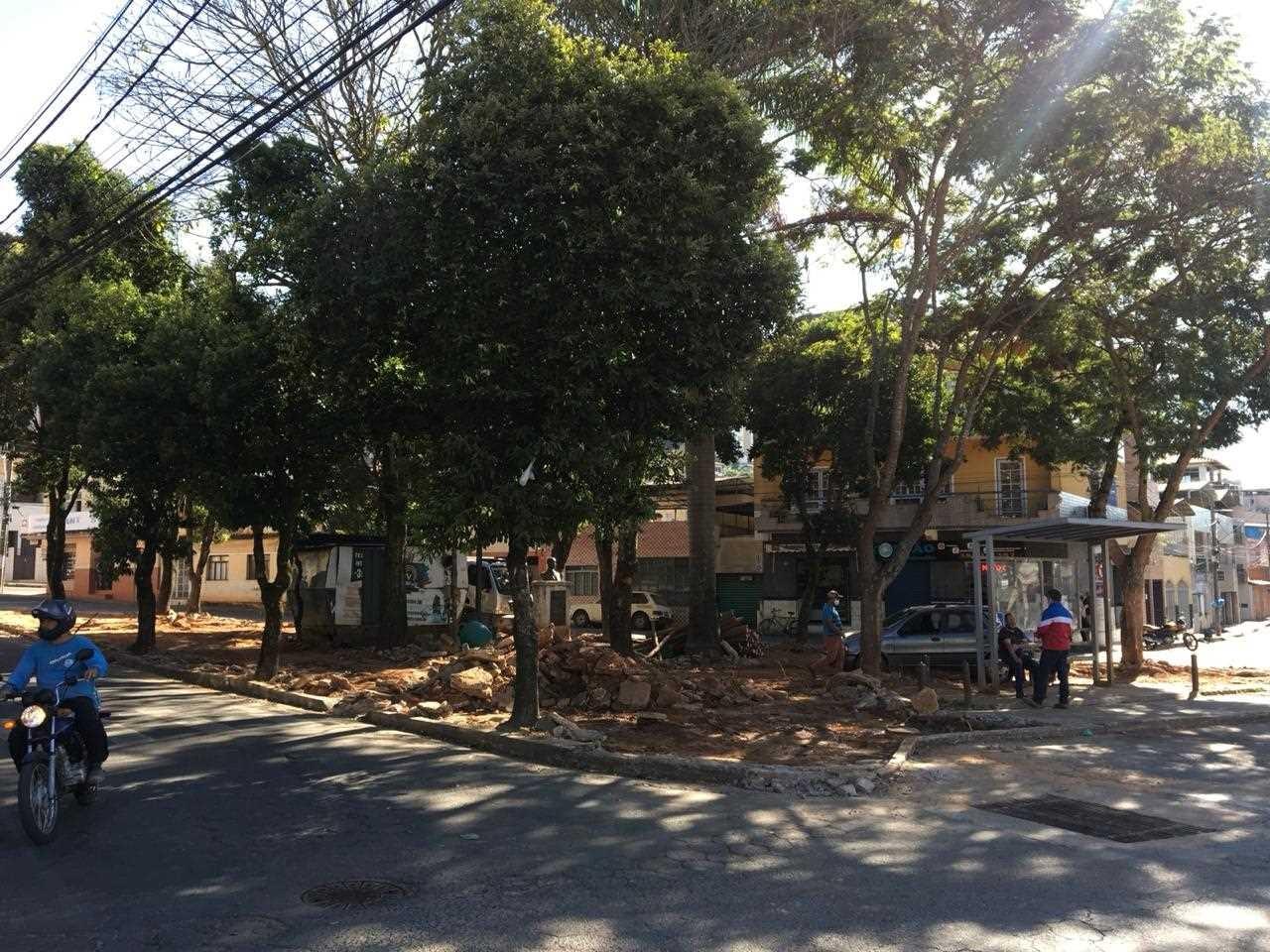 Praça do Bairro de Fátima recebe obras de revitalização em Viçosa