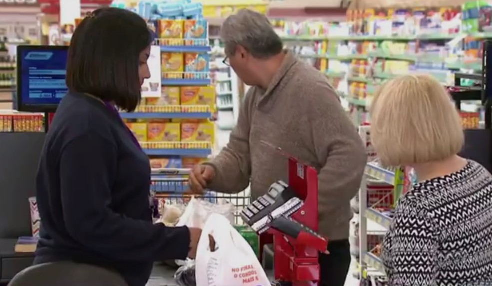 dbae85d82e Três das seis redes de supermercado que atuam na cidade estão com vagas  abertas. —