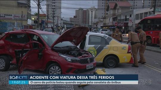 Acidente com carro da PM deixa três feridos no Capão Raso, em Curitiba