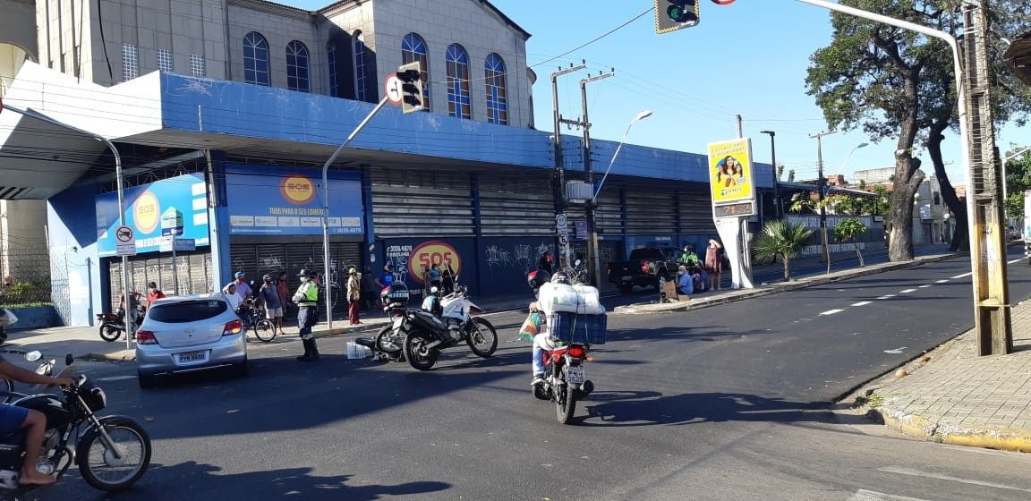 Motociclista morre em colisão com caminhonete no Centro de Fortaleza
