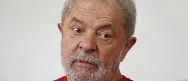 Lula fala com sindicalistas