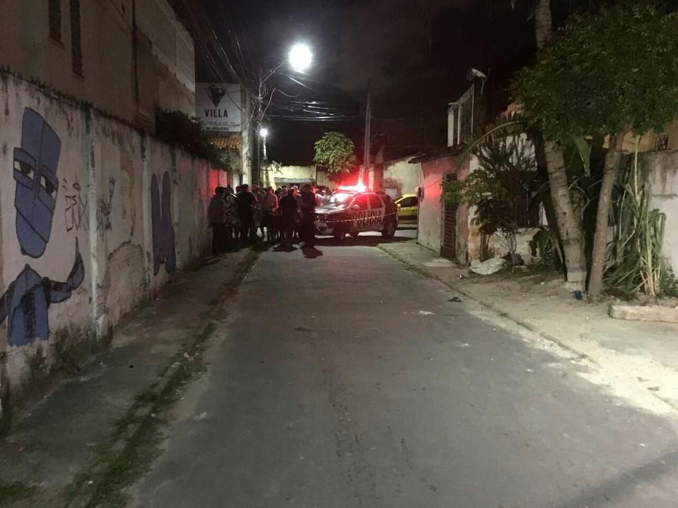 Um dos ataques aconteceu na Rua Joaquim Magalhães, próximo à sede da Torcida Uniformizada do Fortaleza.  (Foto: André Teixeira/G1 CE)