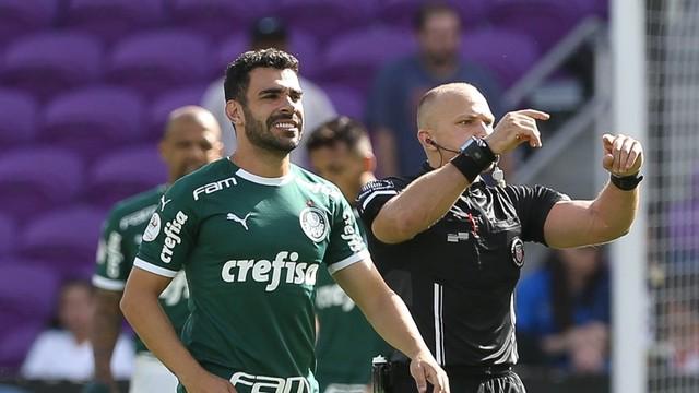 Bruno Henrique saiu ainda no primeiro tempo