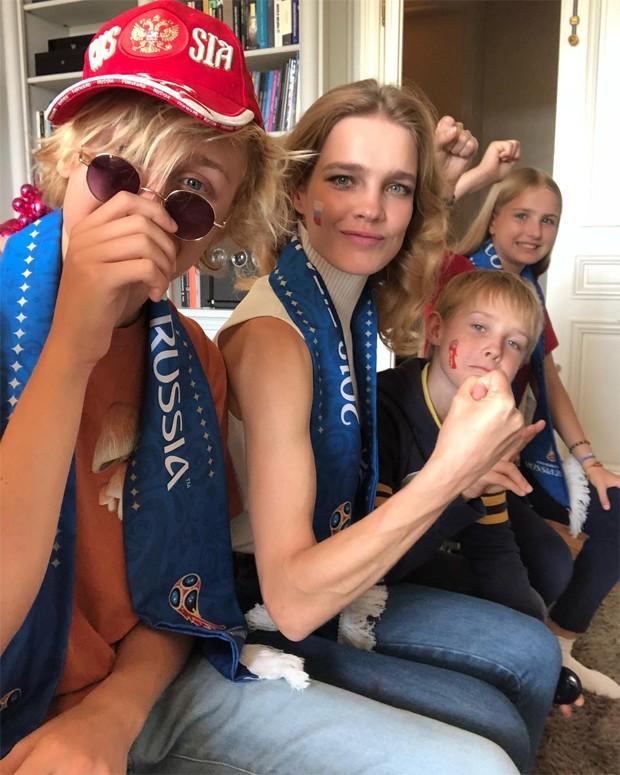 Natalia Vodianova com a família (Foto: Reprodução/Instagram)