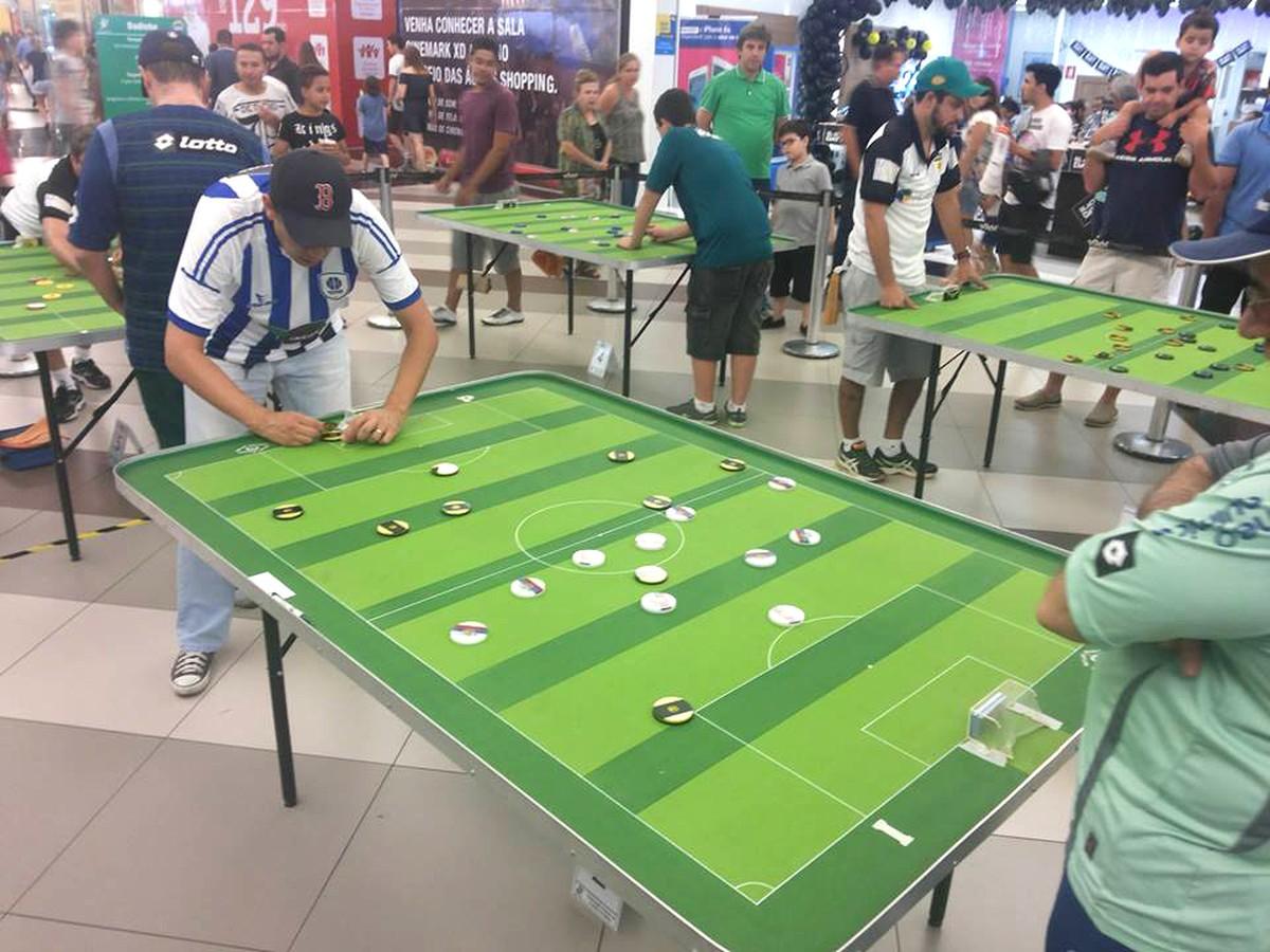Campeonato de futebol de mesa reúne jogadores em Rio Preto