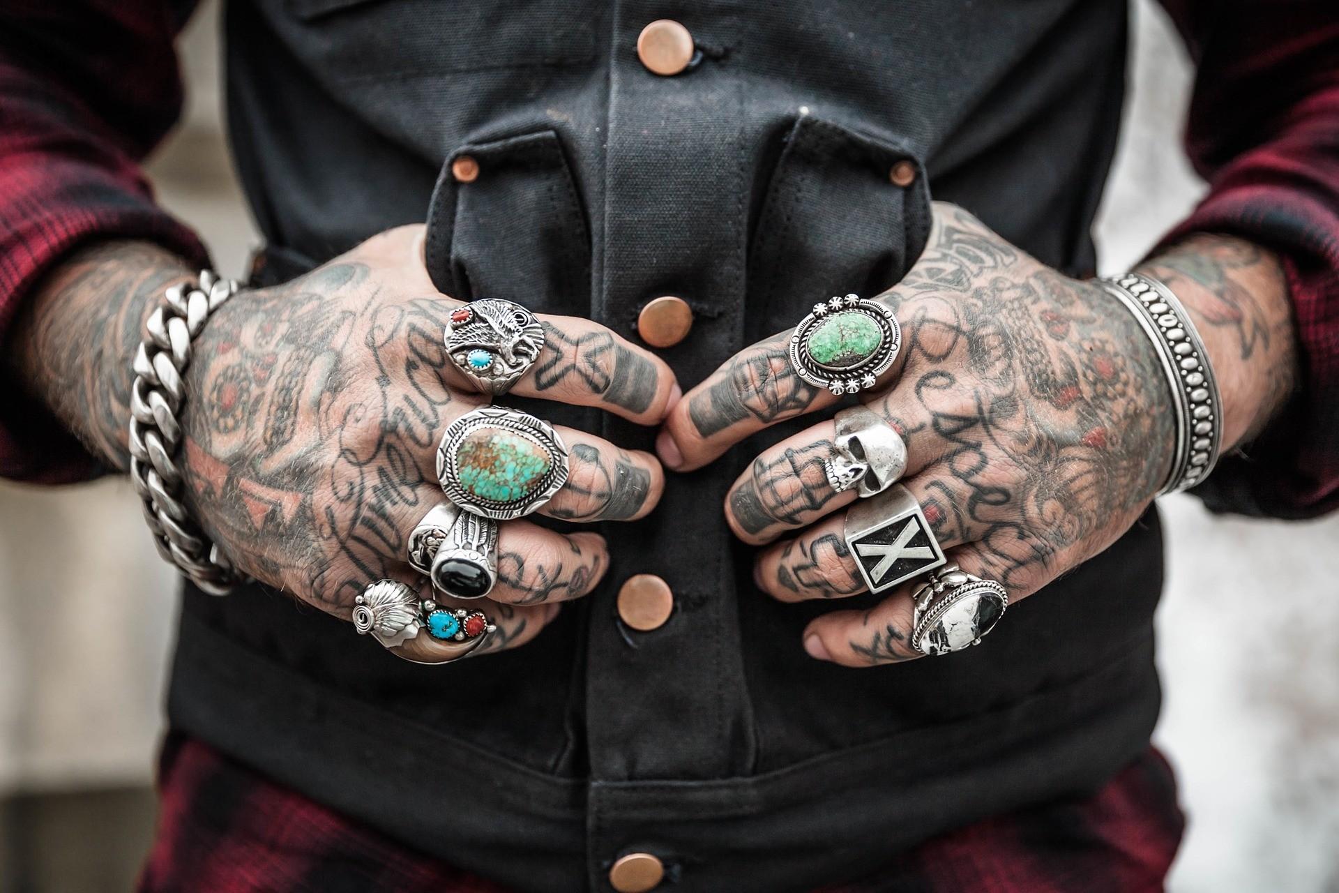 Preconceito com tatuagens já é coisa do passado. (Foto: Free-Photos / Creative Commons)
