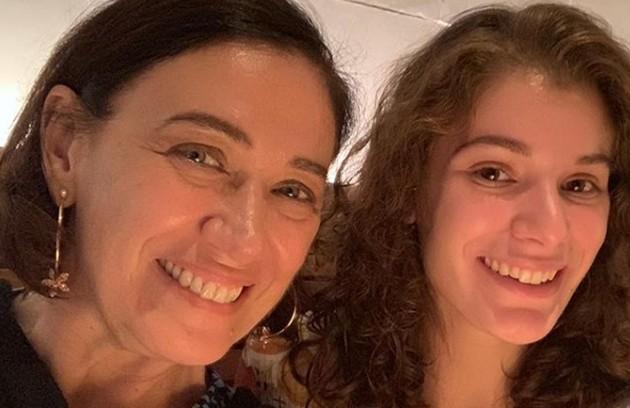 Giulia Bertolli, filha de Lilia Cabral, fez uma participação em 'O Sétimo Guardião, mas terá sua primeira personagem fixa em 'Malhação'. Ela será Meg, uma surfista (Foto: Reprodução Instagram)