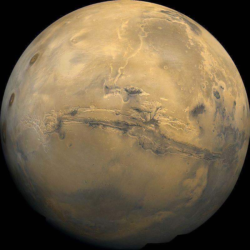 Valles Marineris, o maior cânion do nosso Sistema Solar, fica em Marte. Ele mede mais de 4,000 km de extensão, 200 km de largura e mais de 7 km de profundidade (Foto: NASA)