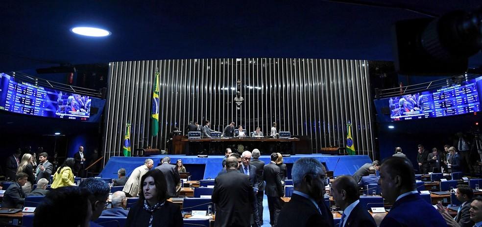 Parlamentares durante sessão no plenário do Senado na manhã desta quinta-feira (6) — Foto:  Geraldo Magela/Agência Senado
