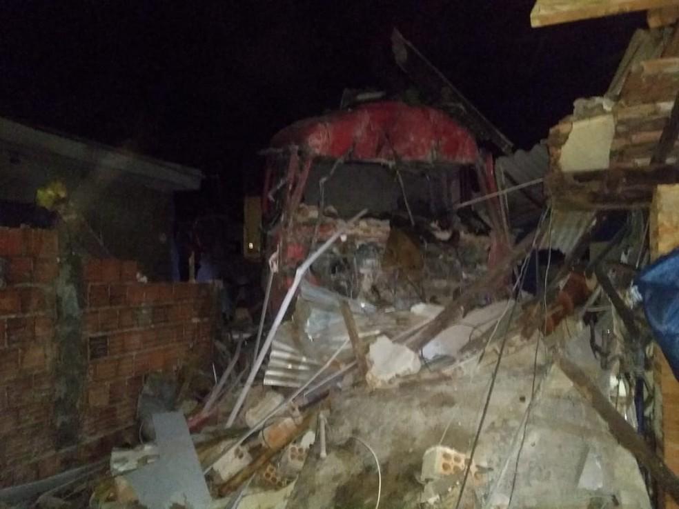 Acidente foi na noite de sexta-feira em Ourinhos  — Foto: Luan Francis de Almeida / Arquivo pessoal