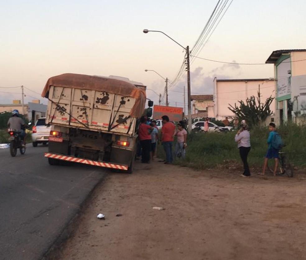 Acidente aconteceu em pista que liga Cajupiranga a Pium — Foto: Heloísa Guimarães/Inter TV Cabugi