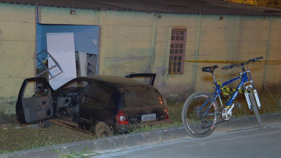 PM tenta impedir assalto com carro e é baleado na cabeça, no DF — Foto: TV Globo/Reprodução