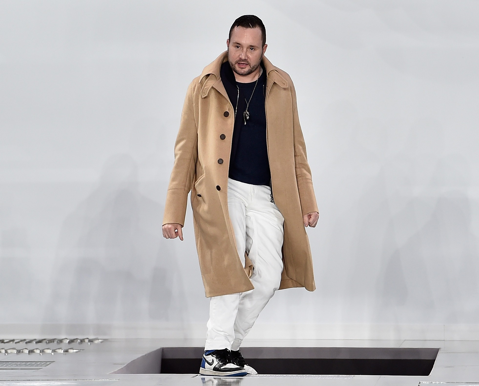 Kim Jones é homenageado pelo British Fashion Council como ponta de lança da indústria (Foto: Getty Images)