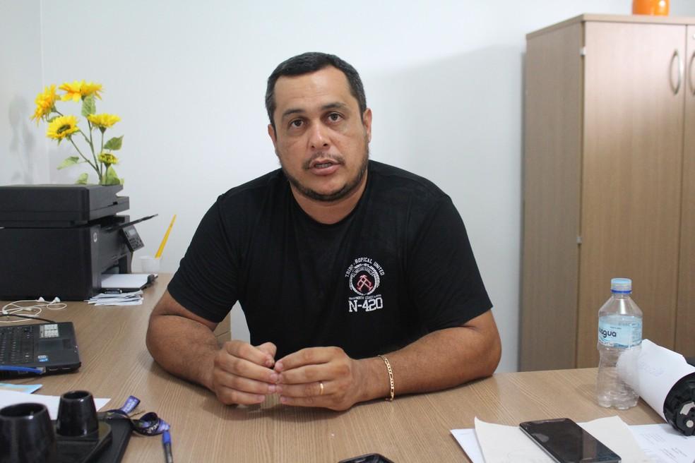 Diretor Edson Alves diz que professora passou mal após o episódio (Foto: Júnior Freitas/G1)