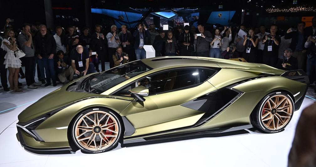 Lamborghini Sián, primeiro híbrido da marca italiana — Foto: Tobias Schwarz/AFP