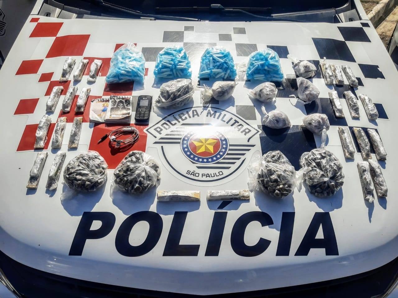Homem é preso com maconha e cocaína no Campo dos Alemães em São José