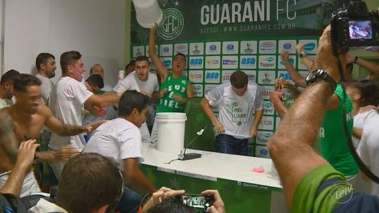 Ricardinho renova contrato com Guarani até dezembro de 2020
