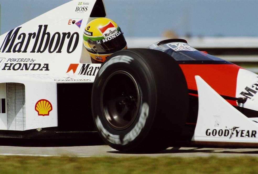 Senna quebrou o recorde da pista para marcar a pole position no Rio, em 1989 — Foto: Getty Images