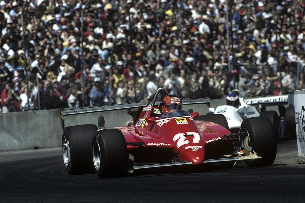Com aerofólio traseiro duplo, Villeneuve foi desclassificado do GP dos EUA-Oeste de 1982 — Foto: Getty Images