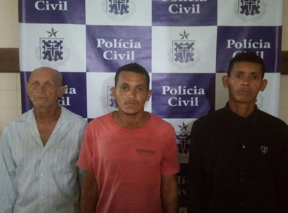 Trio foi preso por estupro de garota de 10 anos — Foto: Polícia Civil